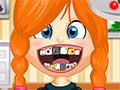 Непослушная девушка у стоматолога