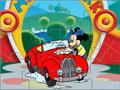 Микки моет автомобиль