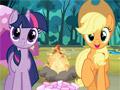 Маленькие пони в лагере