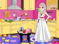 Принцесса Эльза убирает на кухне